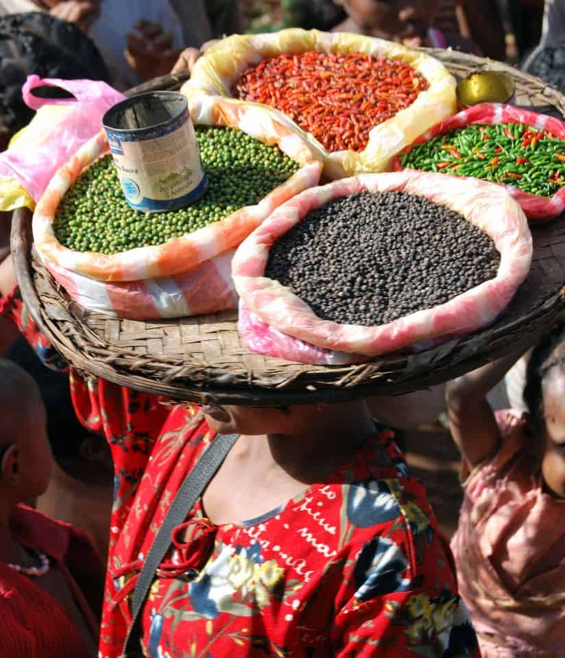Epices et poivres de Madagascar vendus en Vrac