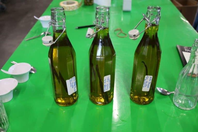 Huile d'olive infusée à la vanille Bourbon à l'essai